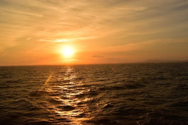 橘丸から眺める夕陽
