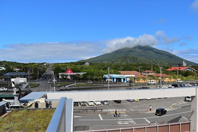 八丈島 底土港からの八丈富士