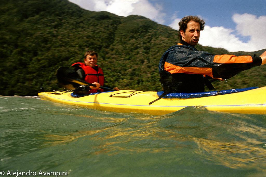 En kayak por Bahia Mala, sur de Chile