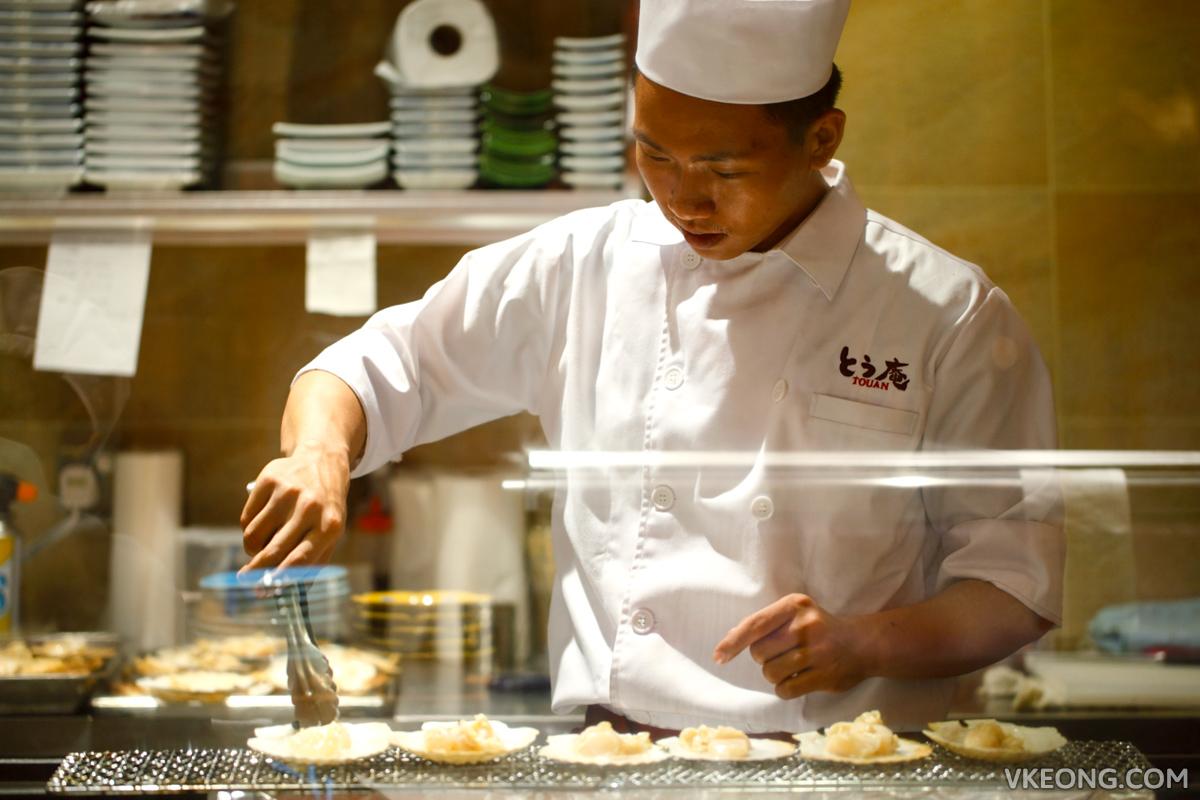 Touan Yakitori Robata Grilling Scallops