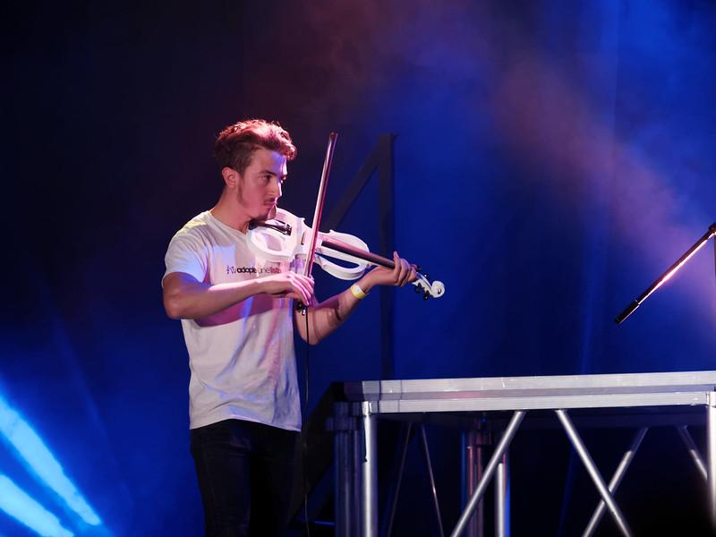 Concert Rock avec violon, violoncelle et batterie 35430034675_ce848025cd_c