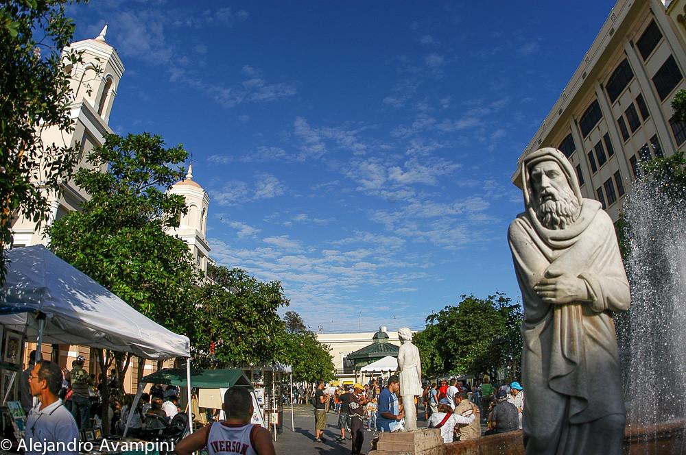 La plaza en el corazón del Viejo San Juan de Puerto Rico