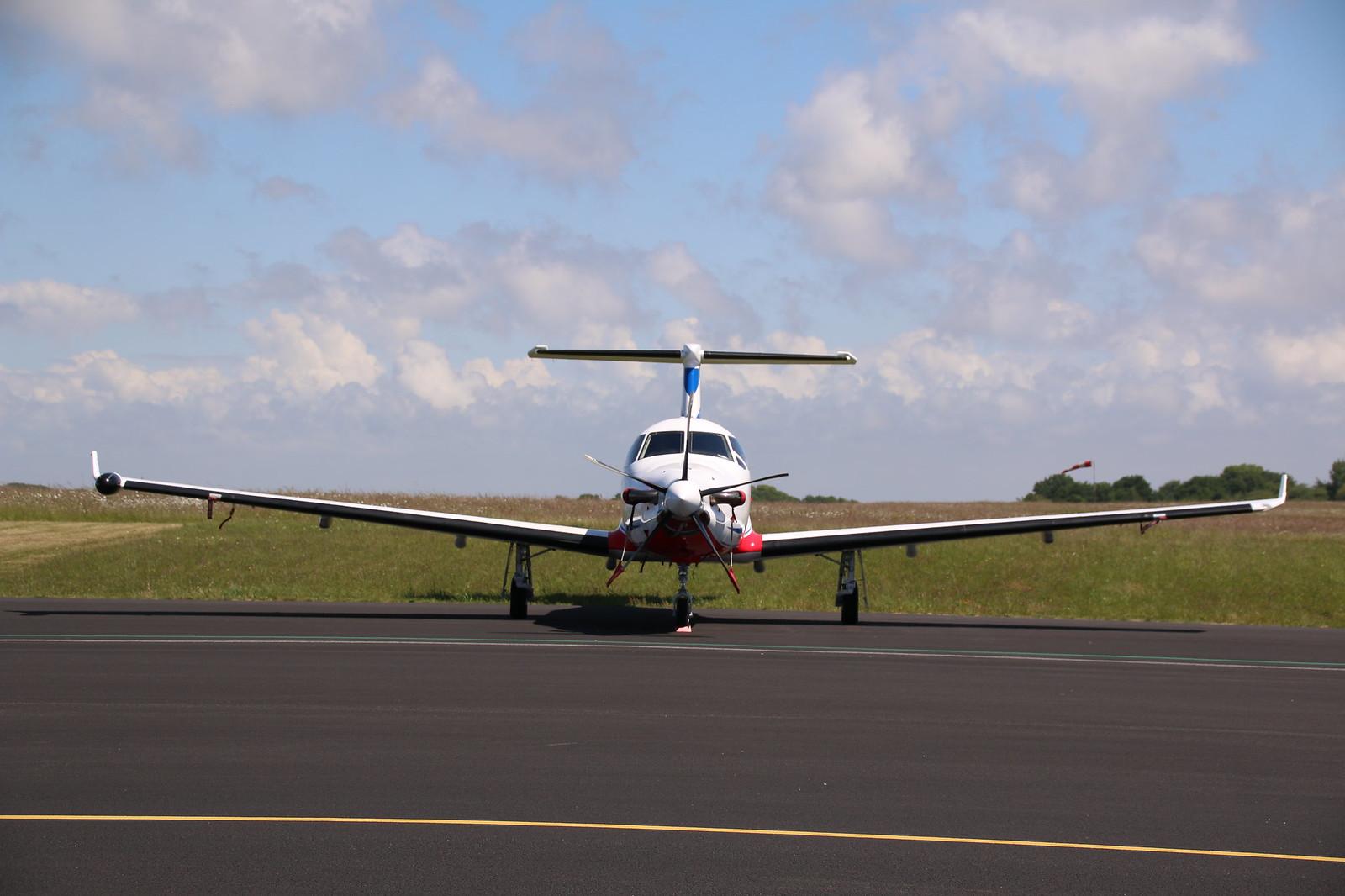 Aérodrome de La Baule Escoublac - Page 3 34631134462_a69cbda35a_h