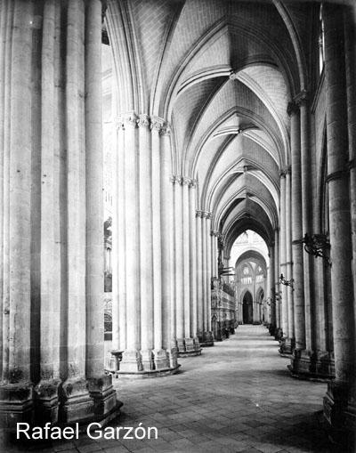 Catedral de Toledo  en 1897 por Rafael Garzón