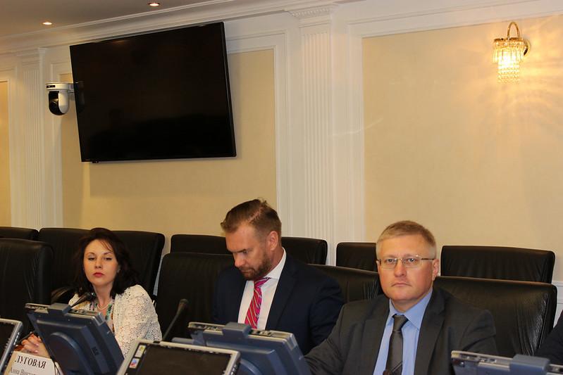 Участники совещания: Анна Луговая (АРПП), Федотов «Нева-Пресс», Вячеслав Керов (МАП)
