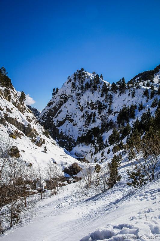 L'Agulla de l'Estany de Núria desde la presa.