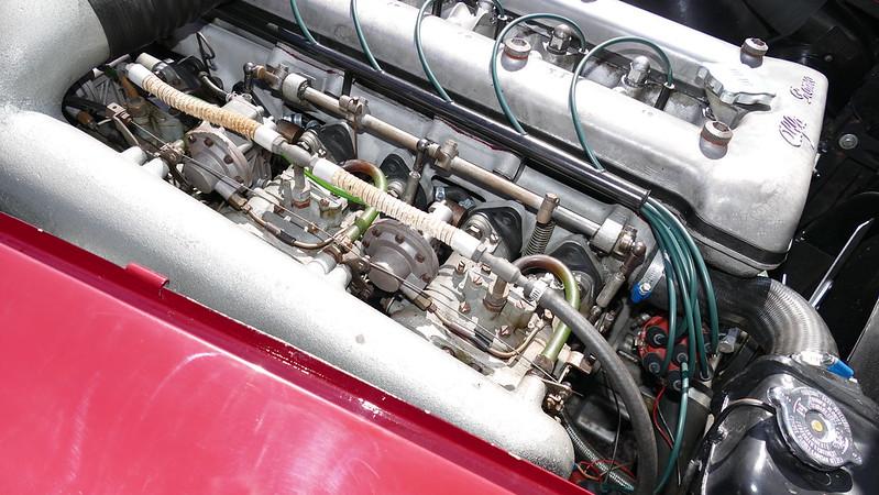 Alfa 2600 Sprint Bertone - Suresnes (92) Juin 2017 34427683633_762b9a7e65_c