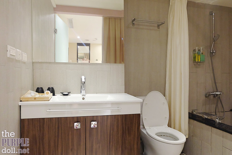 VIA Hotel Ximending Deluxe Double Room Bathroom
