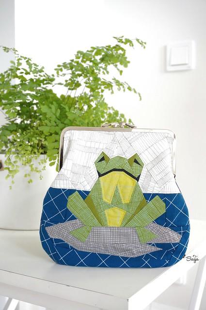 Frog frame purse