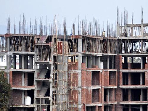 जल संकट का बड़ा कारण भवन निर्माण भी है