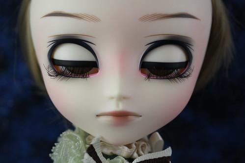 Hansel eyelids