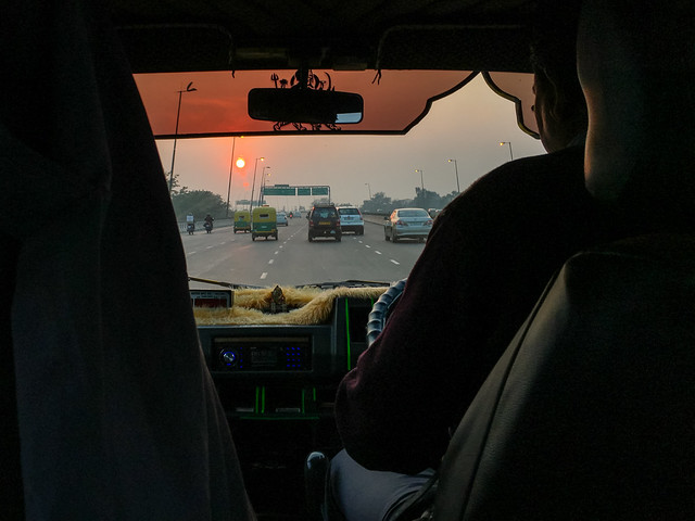 Heading to the airport before sunset, Delhi, India デリー 空港への道中で見た夕陽
