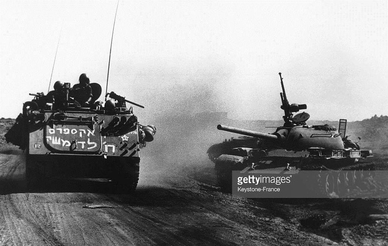 M113-passes-syrian-T-55-1973-gty-1