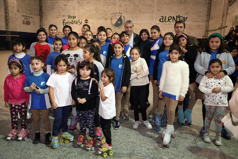 La municipalidad de avellaneda entreg subsidios a m s for Municipalidad de avellaneda cursos