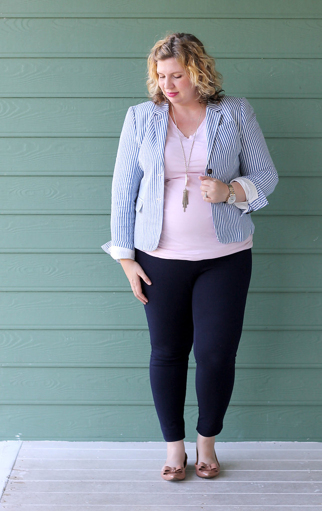 seersucker blazer, navy maternity pencil pants, bow flats 3