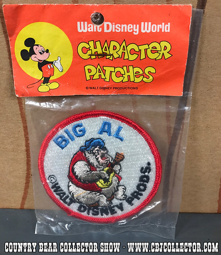 Vintage 1970s Walt Disney World Character Patch of Big Al - Country Bear Collector Show #102