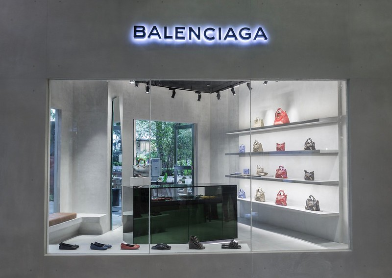 Balenciaga Greenbelt 5