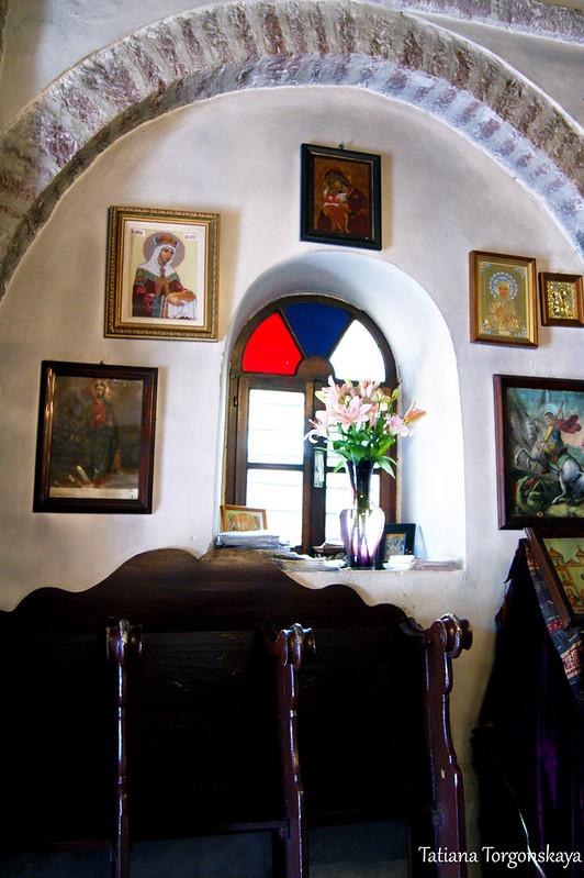 Внутри церкви Св. Ильи