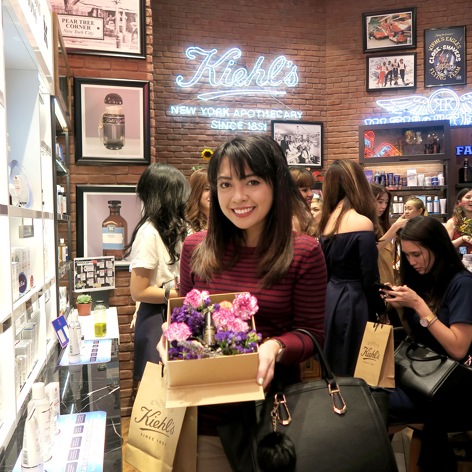 15 Kiehl's Store of the Future - Power Serums - Midnight Recovery - She Sings Beauty by Gen-zel
