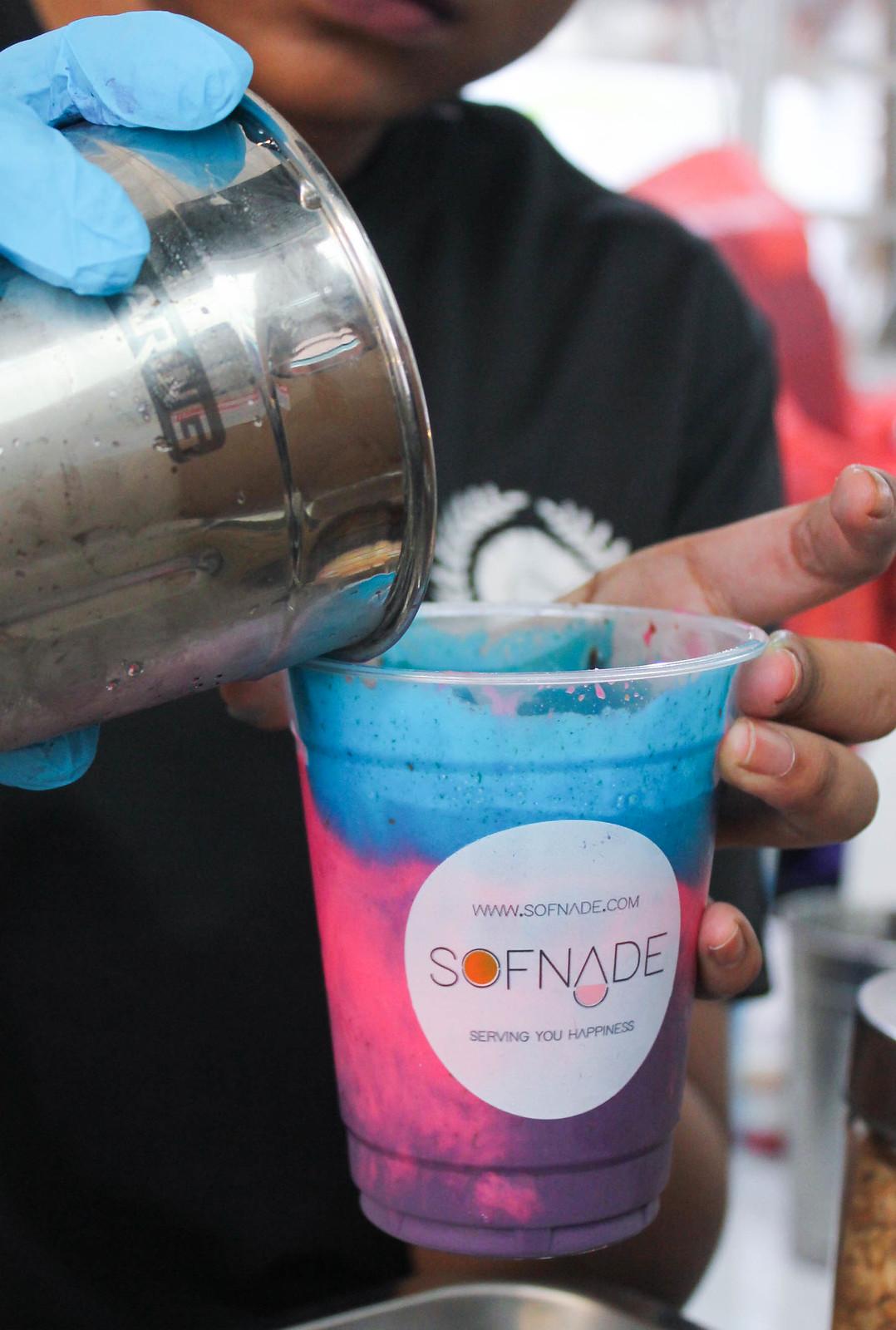 ramadan-geylang-bazaar-galaxy-milkshake-preparation