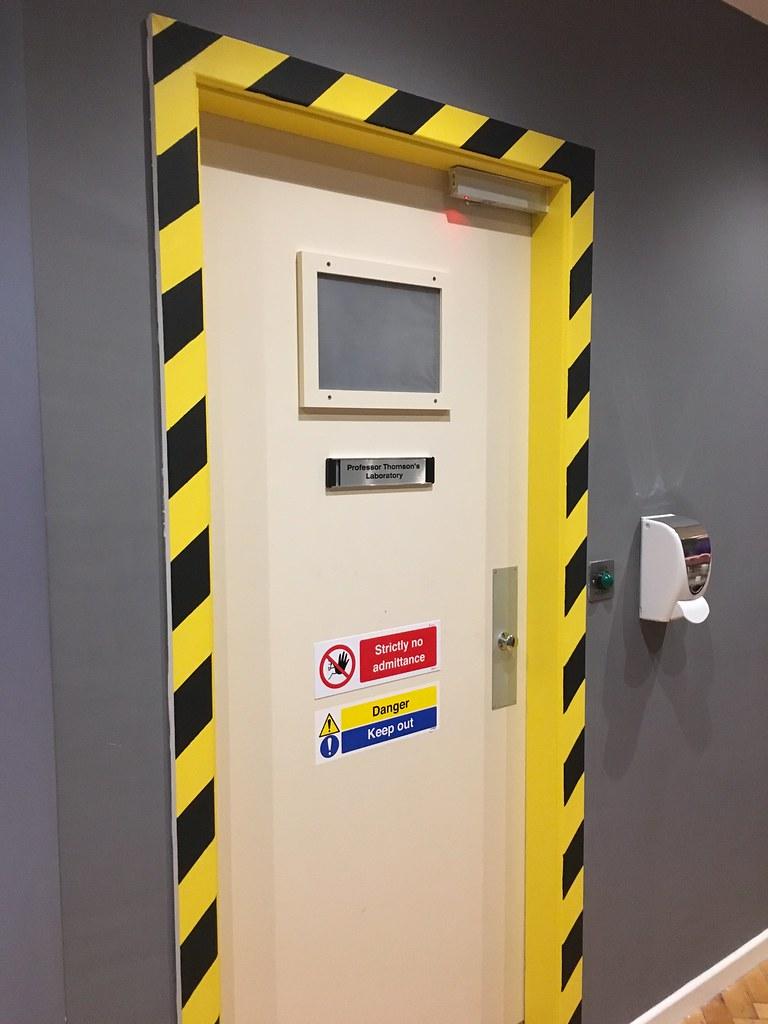 Lucardo - door