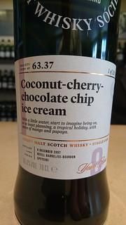 SMWS 63.37 - Coconut-cherry-chocolate chip ice cream