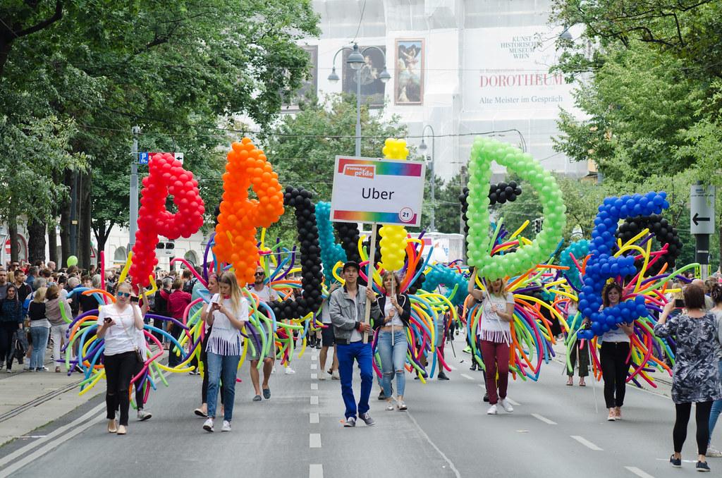 3 Regenbogenparade 2017 -19