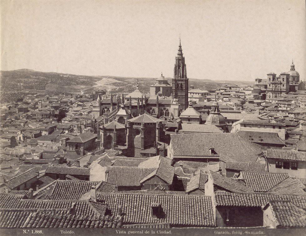 Vista de Toledo desde el Alcázar hacia 1897. Fotografía de Rafael Garzón
