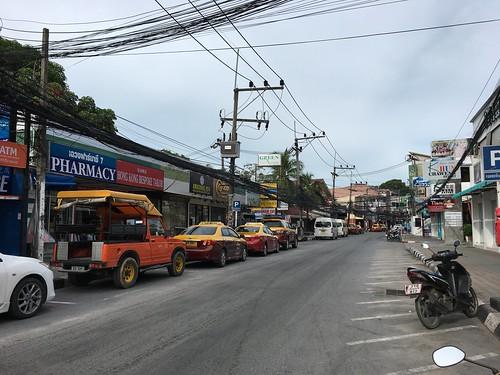 Koh Samui Chaweng Beach Road - Morning