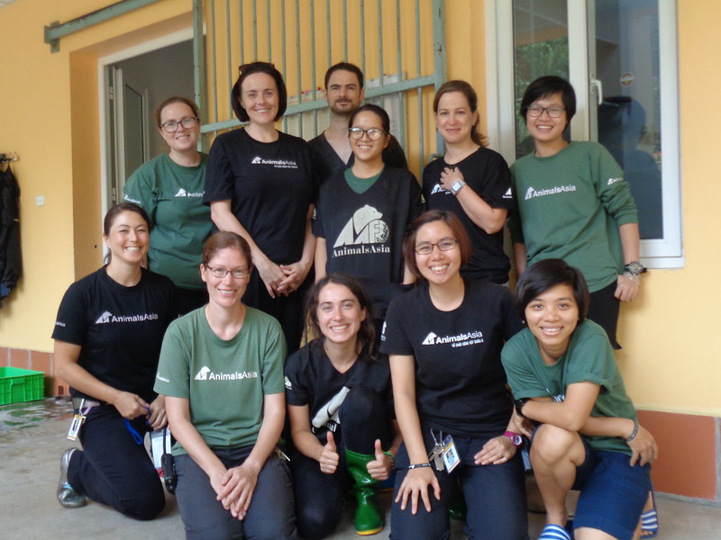 Dr Alane Cahalane (The 2nd from right - the 2nd line) wit Animals Asia's vet team
