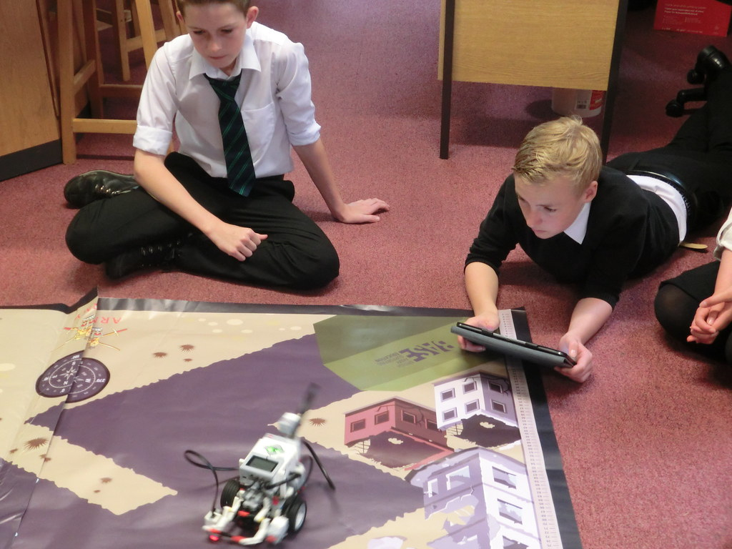 S2 Robot Building & Programming with Army