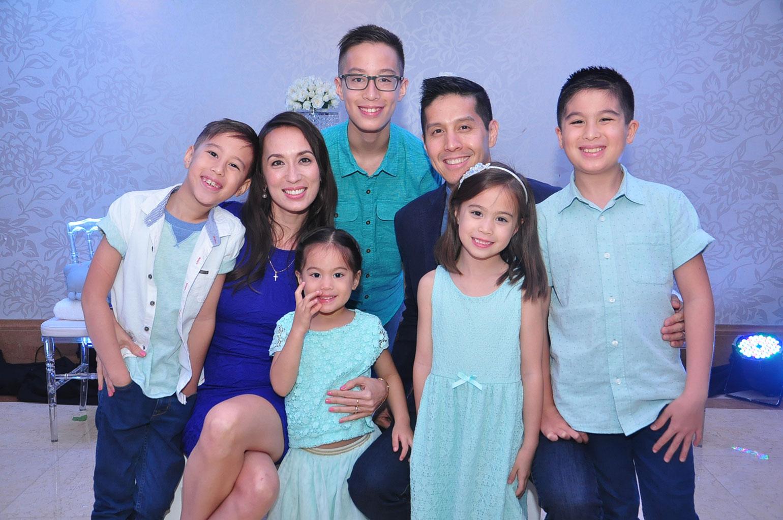 2 Cetaphil-Endorsers-Mendoza-Family