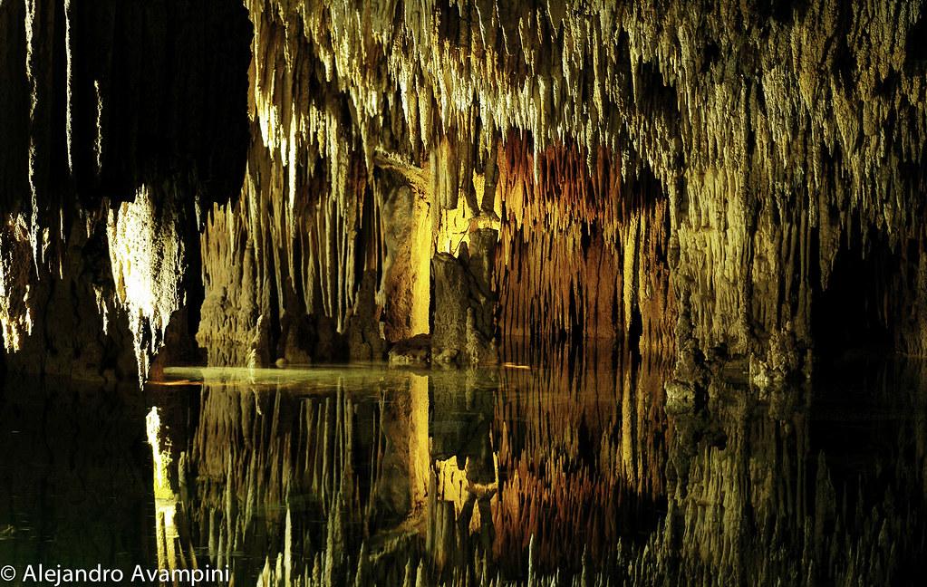 Cenote de Aktun Chen en la Riviera Maya - Península de Yucatán
