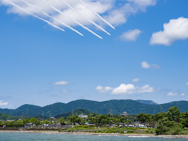 Blue Impulse's rehearsal flight for the 410th anniv. of Hikone Castle (6) Wide Low Pass