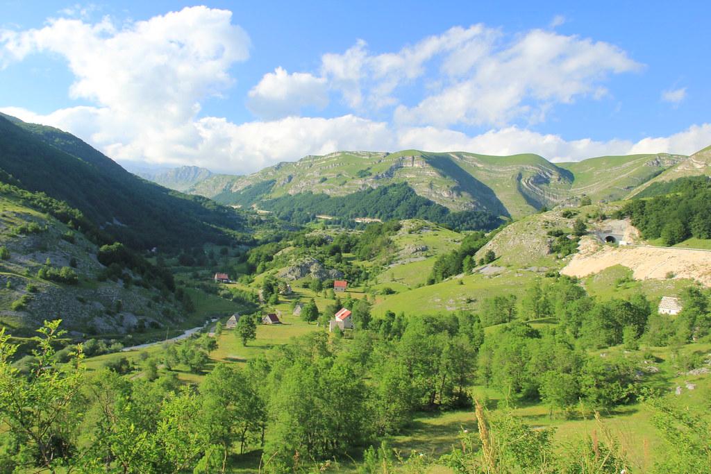 The road to Zabljak