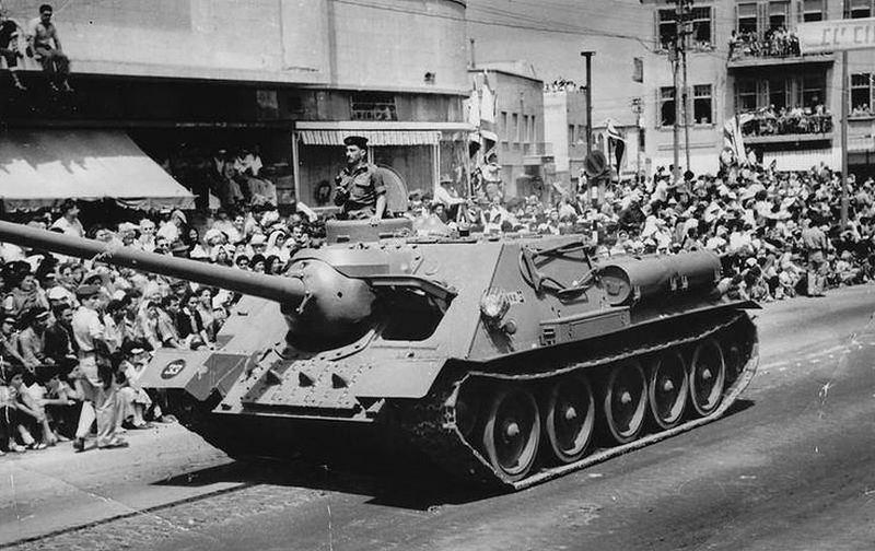 SU100-captured-parade-TA-1957-dlj-1