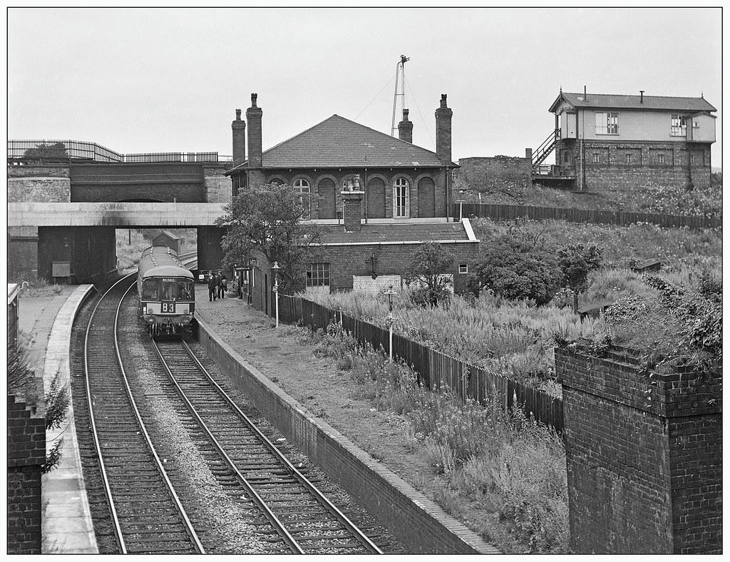 Vintage Port Pjs 0692 Dudley Port Low Level Looks In A