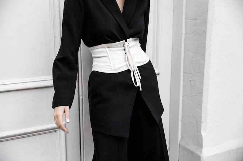 corset belt trend black suit street style loafer mules Givenchy logo tote bag monochrome fashion blogger minimal style kaity modern legacy (5 of 9)