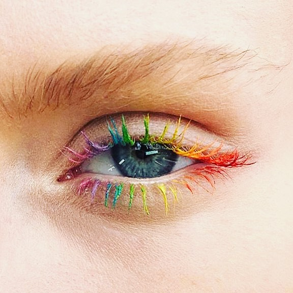 Eyelash inspiration for Pride 🌈🌈🌈 (thanks @modelmalay)