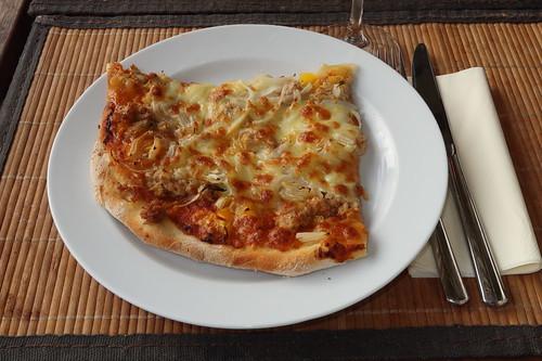 Thunfischpizza (mein Stück)