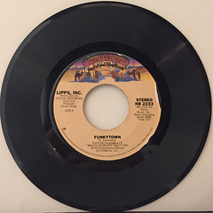 LIPPS, INC.:FUNKYTOWN(RECORD SIDE-A)