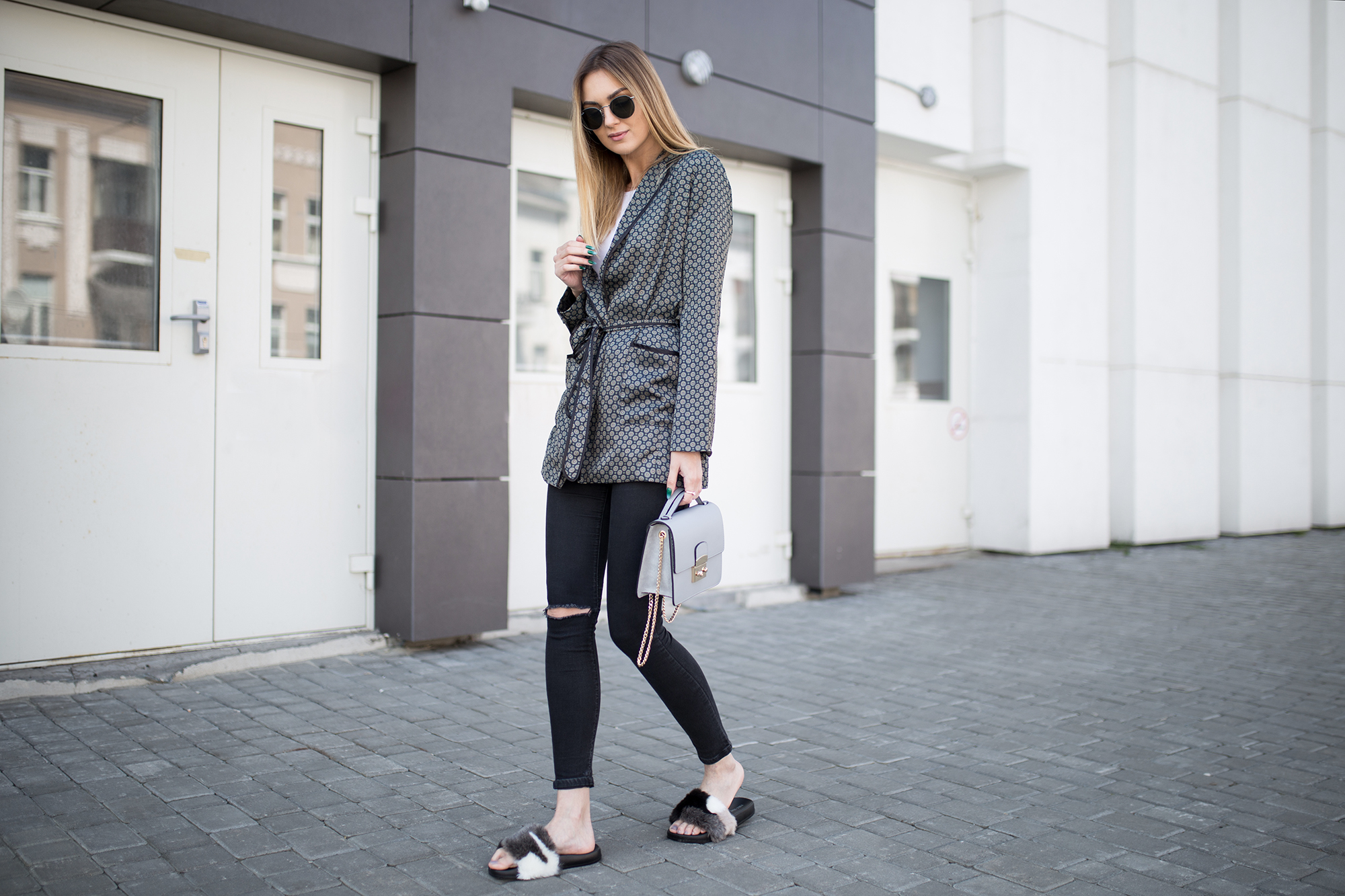 fluffy-fur-mules-look-slides-outfit