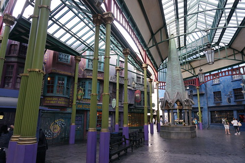Universal Studios, Florida: Diagon Alley | by Disney, Indiana