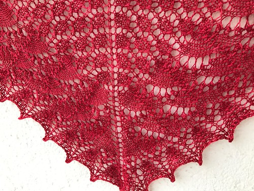 Swallotail shawl