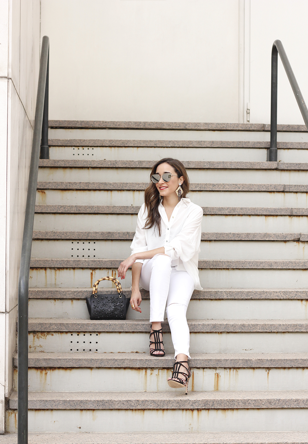 white outfit uterqüe bag heels summer style4