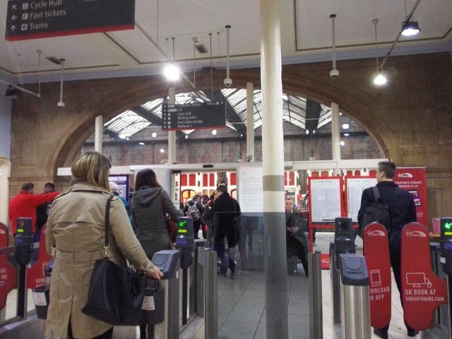 ストーク・オン・トレント駅の改札