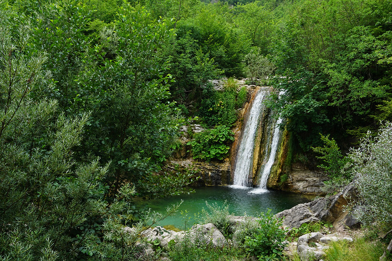 Cycling to Bosnian waterfalls