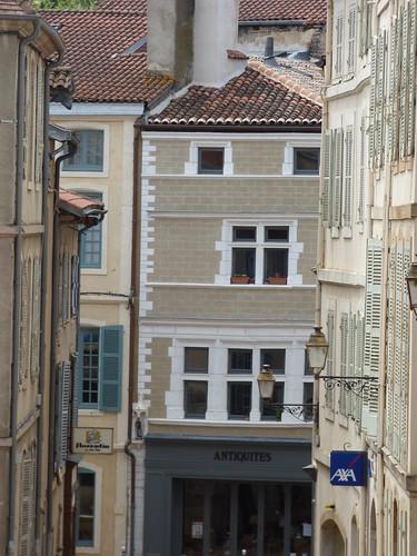 Caf Ef Bf Bd Look Rue Martel Paris