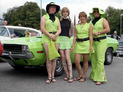 Gräsligt grön 1970 Dodge Challenger.