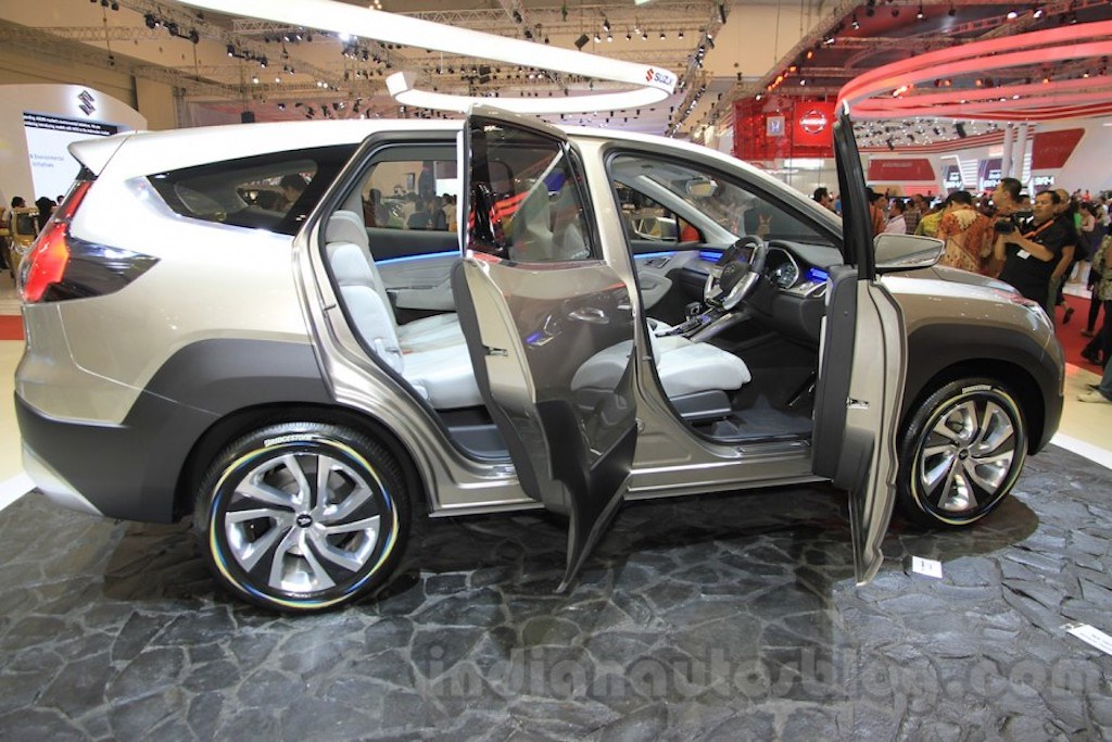 Daihatsu-FT-Concept-doors-open-at-the-2015-Gaikindo-Indonesia-International-Auto-Show-GIIAS-2015-900x600